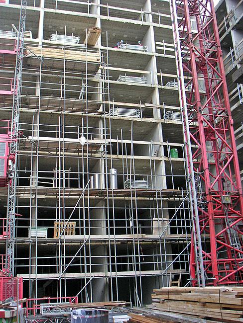 De hollandia toren komt in de steigers te staan - Toren voor pergola ...