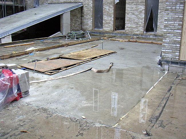 Waar de bouwkraan bij bosschenhoven stond is de vloer parkeerkelder dak nu dichtgemaakt - Toren voor pergola ...