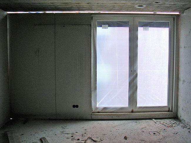 De wand in mijn grote staapkamer aan de leliendaalstraat met dubbele openslaande deuren - Toren voor pergola ...